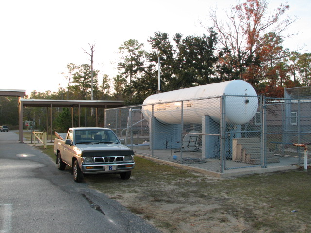 Propane Tank w Pick Up